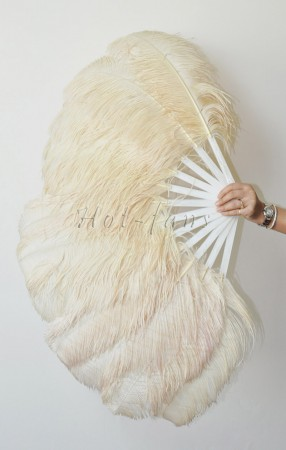 "Beige single layer Ostrich Feather Fan 25""x 45"" with leather travel Bag"