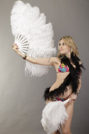 "white single layer Ostrich Feather Fan 25""x 45"" with leather travel Bag"
