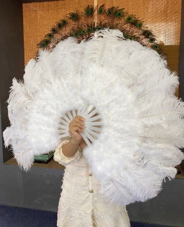 """White Marabou Ostrich Feather fan  21""""x 38"""" with Travel leather Bag"""